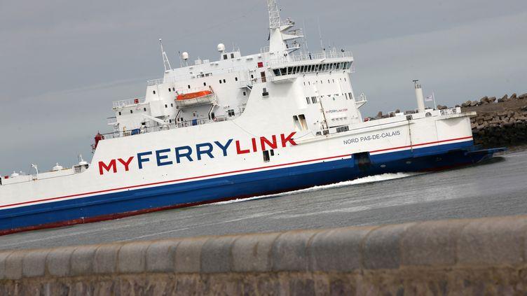 Une photo d'un ferry de la compagnie MyFerryLink prise le 13 avril 2015 à Calais. (CITIZENSIDE / THIERRY THOREL / AFP)