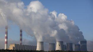La centrale thermique au charbon de Belchatow en Pologne (DAREK REDOS / AFP)