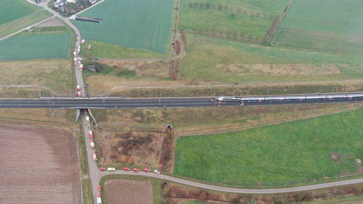 Une rame de TGVColmar-Paris a déraille, jeudi 5 mars, entreIngenheim et Saessolsheim (Bas-Rhin). (SDIS 67)