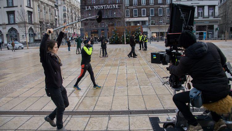 """Le tournage du film """"Viens, je t'emmène"""" par Alain Guiraudie, place de Jaude à Clermont-Ferrand (31 janvier 2020) (RICHARD BRUNEL / PHOTOPQR / LA MONTAGNE / MAXPPP)"""