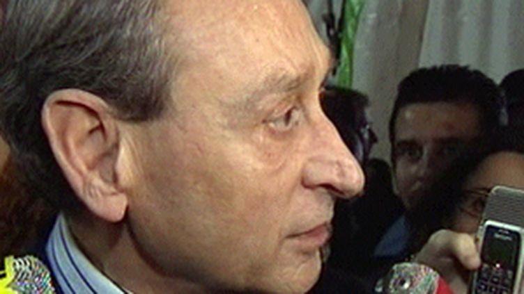 Bertrand Delanoë déplore l'absence de prise en charge par l'Etat de jeunes afghans dans les quartiers nord de Paris. (F3)