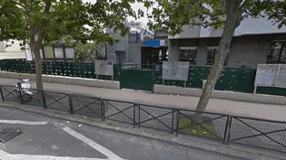 """L'école primaire Ancienne-Mairie, à Boulogne-Billancourt (Hauts-de-Seine), où trois parents ont refusé de déposer leurs enfants en raison de la présence d'une fatrie revenue de Guinée, selon """"Le Parisien"""", lundi 6 octobre 2014. (GOOGLE STREET VIEW)"""