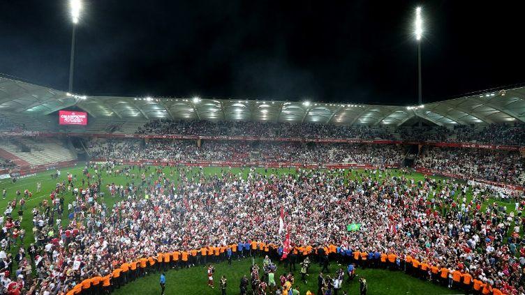 Le stade Auguste-Delaune en fusion (FRANCOIS NASCIMBENI / AFP)