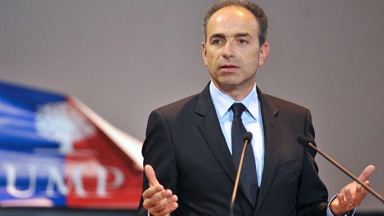 Le président de l'UMP, Jean-François Copé, lors d'un meeting au Coudray-Montceaux (Essonne), le 23 avril. (PIERRE ANDRIEU / AFP)