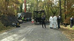 Cinq ans après l'accident de Puisseguin en Gironde, des questions restent toujours sans réponse pour les familles de victimes. (FRANCE 3)
