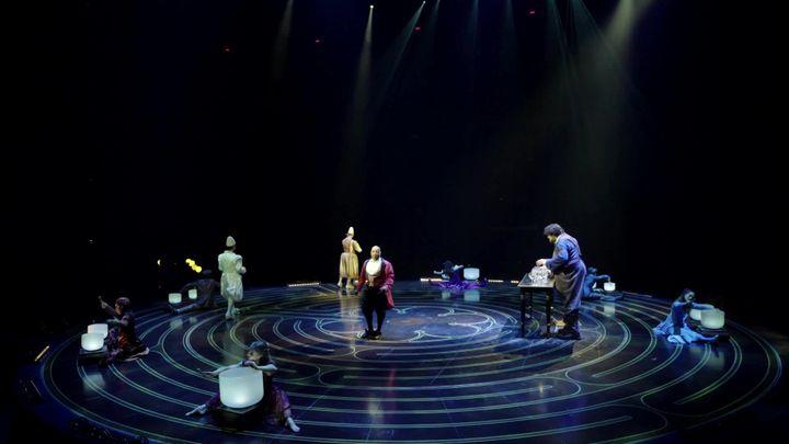 Cirque du Soleil - Corteo à l'Accorhotels Arena - Décembre 2019 (M. Tafnil / France Télévisions)