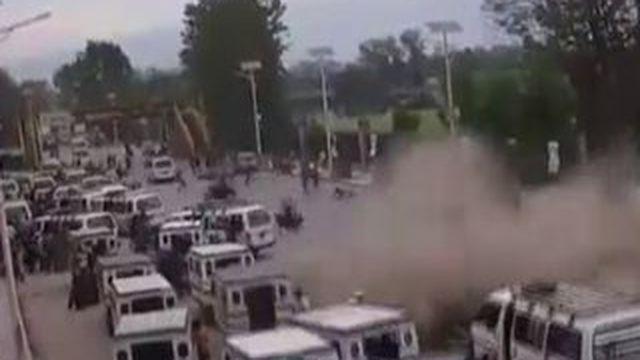 Népal : les habitants de Katmandou pris dans la violente secousse de samedi