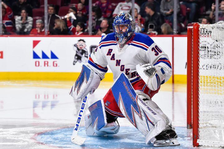 Les hockeyeurs sont équipés d'une véritable armure protectrice.