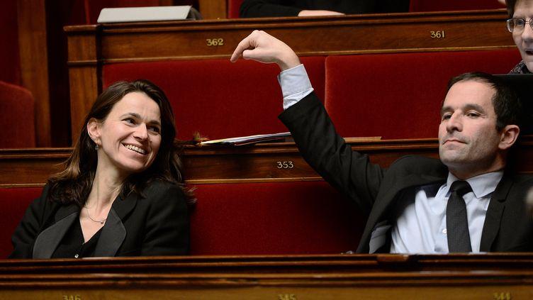 Les anciens ministres Aurélie Filippetti et Benoît Hamon, le 13 février 2015 à l'Assemblée nationale. (STEPHANE DE SAKUTIN / AFP)