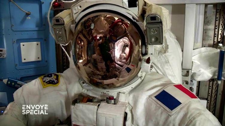"""Visite de l'ISS dans """"Envoyé spécial"""" (FRANCE 2 / FRANCETV INFO)"""