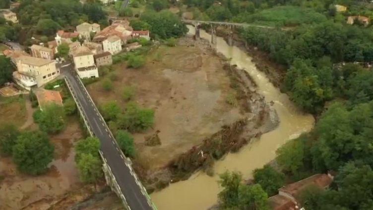 Inondations : une femme toujours portée disparue à Pont d'Hérault, dans le Gard (FRANCE 2)