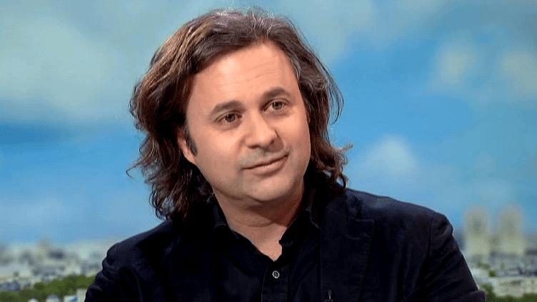 """Charles Pépin invité sur plateau de France 2 pour présenter son nouveau roman """"La Joie""""  (France 2 / Culturebox)"""