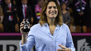 Amélie Mauresmo lors de la remise d'un prix pour sa carrière, le 11 février 2018 àMouilleron-le-Captif (Vendée), avant la rencontre de Fed Cup entre la France et la Belgique. (JEAN-FRANCOIS MONIER / AFP)