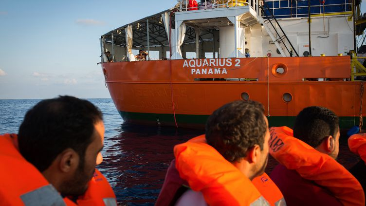 "Des migrantssauvés par le bateau ""Aquarius"" de l'ONG SOS Méditerranée le 24 septembre 2018. (MAUD VEITH / SOS MEDITERRANEE)"