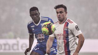 L'ailier droit Xherdan Shaqiri sous les couleurs de l'Olympique lyonnais contre Strasbourg, dimanche 12 septembre 2021. (JEFF PACHOUD / AFP)