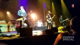 Envoyé spécial.Amputé après le 13 novembre, Kévin retourne voir les Eagles of Death Metal (Envoyé spécial/France Télévisions (capture d'écran))
