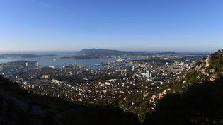 Vue de Toulon, le 21 novembre 2017. (BORIS HORVAT / AFP)