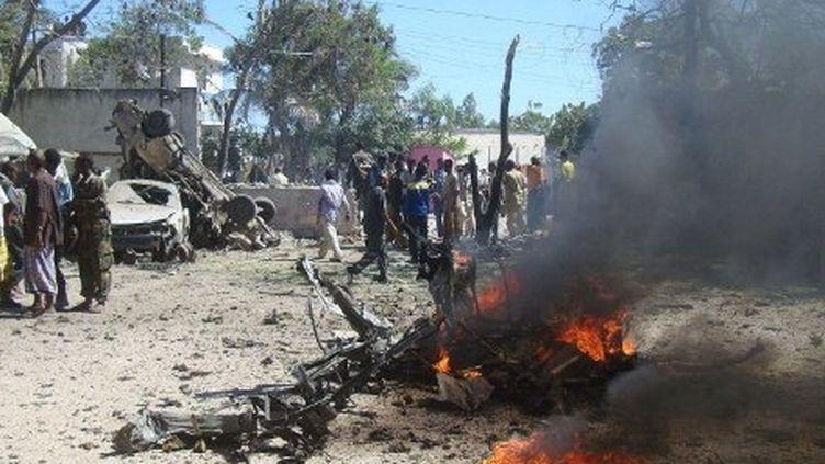 Mogadiscio : attentat à la voiture piégée (17-02-2012) (AFP PHOTO / Mohamed Abdiwahab)