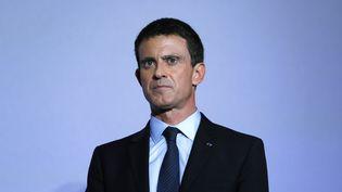 Manuel Valls à la mairie d'Alfortville (Val-de-Marne), le 21 novembre 2016. (THOMAS SAMSON / AFP)