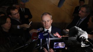 Le président de l'Assemblée nationale, François de Rugy, présente les nouvelles règles de frais de mandat, le 29 novembre 2017. (PATRICK KOVARIK / AFP)