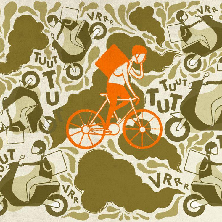 Les scooters ont peu à peu pris la place des vélos parmi les livreurs de repas à domicile. (ELLEN LOZON / FRANCEINFO)