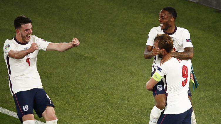 Célébration des Anglais sur le deuxième but d'Harry Kane face à l'Ukraine lors de l'Euro, le samedi 3 juillet 2021. (ALESSANDRO GAROFALO / POOL)