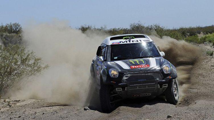 Stéphane Peterhansel (Mini) à l'attaque sur le Dakar 2014 (GIGI SOLDANO / DPPI MEDIA)