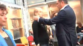 """""""Messmer le fascinateur"""" en pleine séance dans la réadaction de France 3 national. (FRANCETV INFO)"""