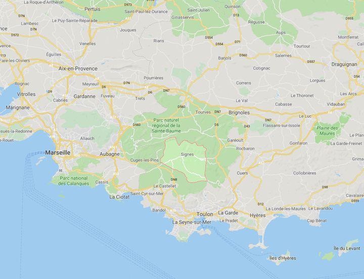La commune de Signes se trouve dans le département du Var dans la région Provence-Alpes-Côte-d'Azur. (CAPTURE D'ECRAN GOOGLE MAPS)