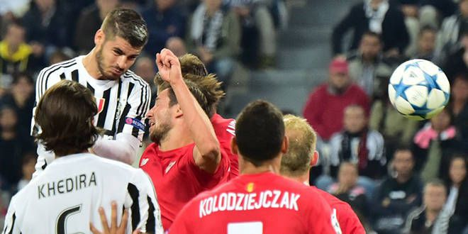Alvaro Morata prend le dessus dans les airs pour ouvrir le score pour la Juventus