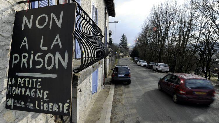 Le fronton d'une maison à Saint-Julien-sur-Suran (Jura), le 8 mars 2012. (L'EST REPUBLICAIN / MAXPPP)
