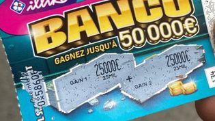 Les quatre jeunes SDF ont empoché les deux gains du ticket Banco : deux fois 25 000 euros.  (Nicolas Olivier / France Bleu Breizh Izel)