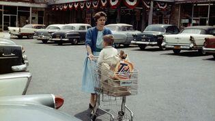 Jean-Philippe Charbonnier Au supermarché, New-Rochell, États-Unis (RHA001613), 1958 (JEAN-PHILIPPE CHARBONNIER / GAMMA-RAPHO)