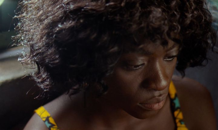 "Temi Ami-Williams dans""Eyimofe, This Is My Desire"", des frères nigériansArie et Chuko Esiri (2020) (Eyimofe LLC)"