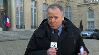 """Dans une tribune parue dans """"Le Figaro"""", 86 députés demandent le retour de la hausse de la taxe carbone. Comment réagit le gouvernement ? (FRANCE 2)"""
