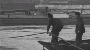 Ce jeudi 25 janvier, la Seine continue de monter à Paris. France 3 profite de l'occasion pour revenir sur ces autres crues qui ont marqué la capitale et notamment celle de 1910. (France 3)