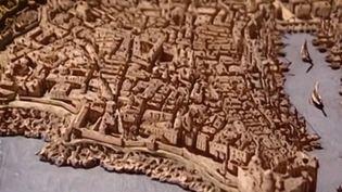 Trois siècles avant l'épidémie de Covid-19, les Français devaient déjà remplir des attestations de déplacement. En 1720, la France connait sa grande épidémie de peste. Tout a commencé à Marseille (Bouches-du-Rhone). (France 3)