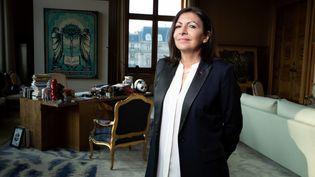 La maire de Paris, Anne Hidalgo, à l'hôtel de ville, le 24 janvier 2020. (JOEL SAGET / AFP)