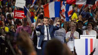 Le candidat à la présidentielle Emmanuel Macron, lors d'un meeting à Lyon, le 4 février 2017. (MICHAUD GAEL / NURPHOTO / AFP)