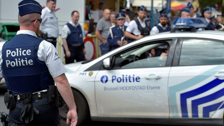 Des policiers belges à Bruxelles, le 16 juillet 2016. (ERIC VIDAL / REUTERS)