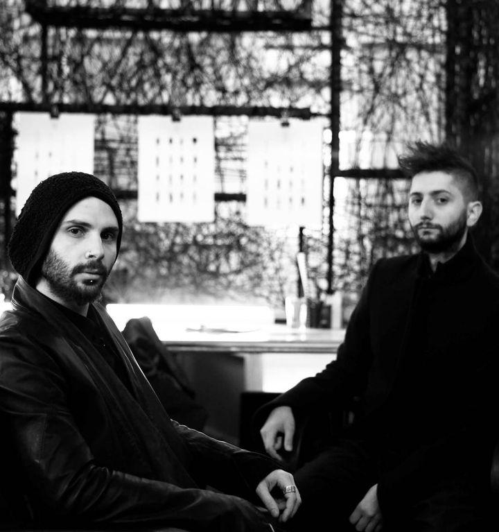 Les créateurs de Strateas Carlucci : Mario-Luca Carlucci (à gauche) et Peter Strateas  (Ribal & Gil / Superteam Studios)