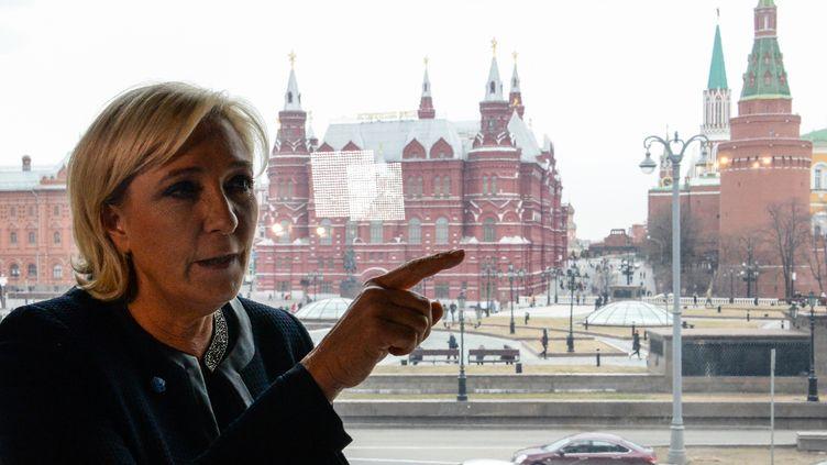 Marine Le Pen, le 24 mars 2017, lors d'une visite à Moscou (Russie). (KIRILL KUDRYAVTSEV / AFP)