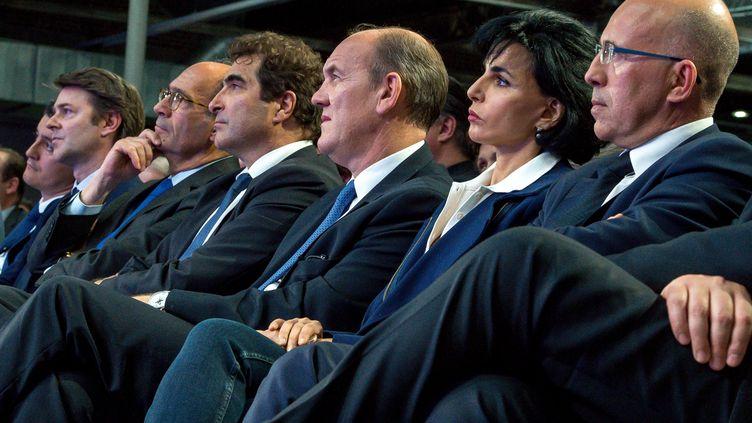 Eric Ciotti, Rachida Dati, Daniel Fasquelle, Christian Jacob, Eric Woerth, François Baroin et Gérald Darmanin, le 8 juin 2016, lors d'un meeting à Saint-André-lez-Lille (Nord). (PHILIPPE HUGUEN / AFP)