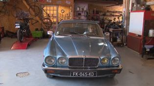 Dans la Drôme, Michel Loire a monté un garage associatif. (FRANCE 3)