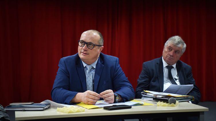 Frédéric Bricout fait campagnepour les électionsmunicipales, à Caudry (Nord) le 29 février 2020. (MAXPPP)