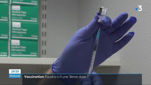Vaccin contre le Covid-19 : une troisième dose pour une protection à long terme ?