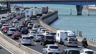 Embouteillages sur l'A7, près de Valence, le 4 juillet 2015. (  MAXPPP)