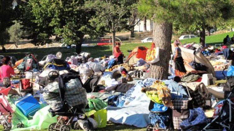 Une famille de Roms à Marseille, le 4 août 2011. (CITIZENSIDE / GEORGES ROBERT)