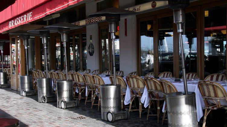 Une terrasse chauffée à Trouville (Calvados). Photo d'illustration. (MAXPPP)
