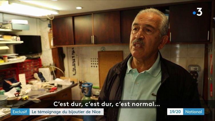 Stéphane Turk, le bijoutier de Nice qui avait tué son braqueur, revient pour la première fois dans sa boutique depuis le drame avec France 3, le 6 juin 2018. (FRANCE 3)